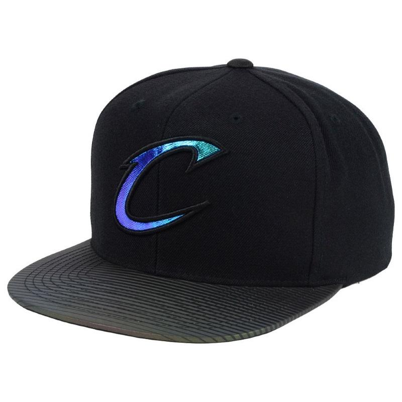 9791105d7a515 Gorra Cleveland Cavaliers negra con logo reflectante – BalonBall