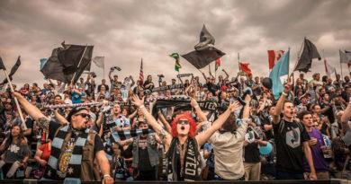hooligans fans